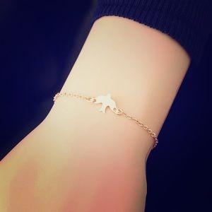Jewelry - ✨❤️BOGO✨❤️ 🕊 Peace Dove Gold Charm Bracelet 🕊